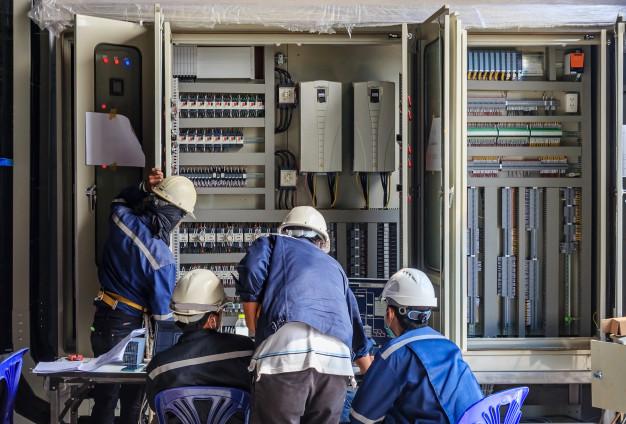 Lucrari  la reteaua de energie electrica in zona satului  Fundeni