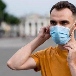 De astăzi, masca de protecție este obligatorie și în spațiile publice deschise